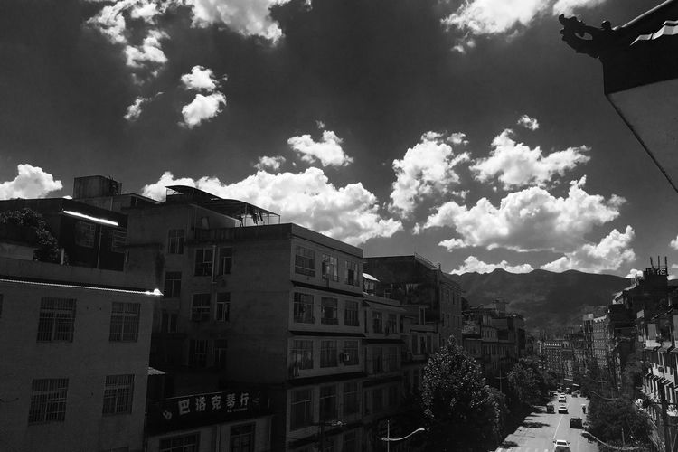 Architecture Building Exterior Sky Built Structure Cloud - Sky No People Day Outdoors City Mountain Nature Cityscape EyeEm Selects Monochrome Blackandwhite Black And White