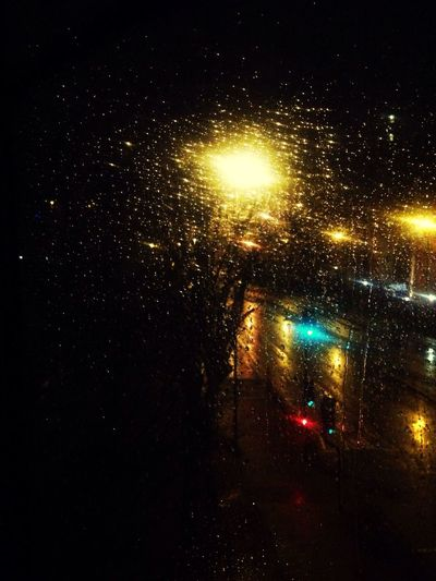 Obsessed with rainy night streets Akesge