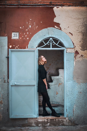 Architecture ArchiTexture Bari Courtain Day Door Dream Eye Eyem Eyemnaturelover Full Length Girl Italia Italian Italianarchitecture Old Oldtown Outdoors Photoshooting STAND Stars Wall WeekOnEyeEm Window Young Women