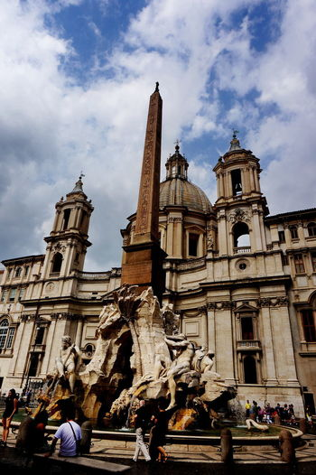 NEX-5T Rome Architecture Art And Craft Baroque Style Building Exterior Built Structure City Cloud - Sky Human Representation Italy Large Group Of People Low Angle View Outdoors Place Of Worship Sculpture Sky Sony Statue Tourism Travel Travel Destinations