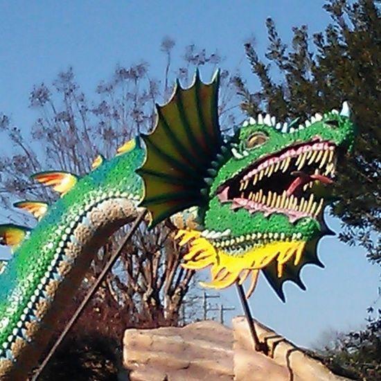 Gotta love a dragon... Fenwick De