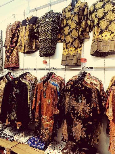 Batik Retail  Retail Display Store Art And Craft For Sale Representation Human Representation Mannequin Collection