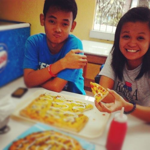 Best way to enjoy a simply made pizza is to share it with extraordinary best friends Besties AJ Jason YellowTie