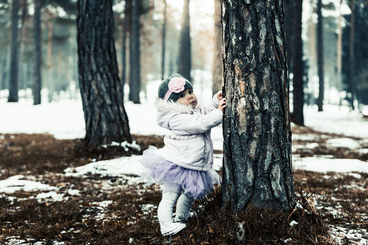 birthday in a forest// Beautiful Kids Nature On Your Doorstep Nature Photography Trees Beauty In Nature Buymyphotoplease Canon Cute Daily Life Forest Girl Moody Nature_collection Photographer Photography Tamron