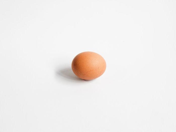 #egg #eggtart #eggphotography #egglover #chickenegg #chickeneggs Egg Eggs For Breakfast Egg Arts Eggs Art Eggphotography White Background Studio Shot Fruit Close-up Egg Yolk Egg Carton Egg White Animal Egg