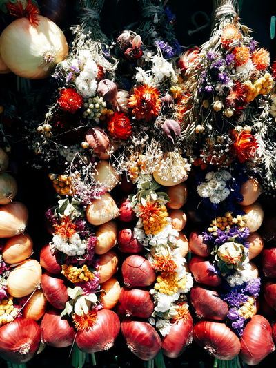 Onion Onions Vegetables Market Market Stall Marketplace Farmers Market Flowers Autumn Autumn colors Backgrounds Full Frame Close-up Blooming Display For Sale Market Stall Stall