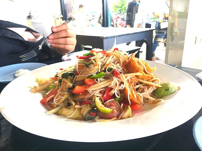 Papaya salad Food And Drink Food Ready-to-eat Freshness Plate Table Real People Indoors  Healthy Eating Meal Serving Size Restaurant Hand