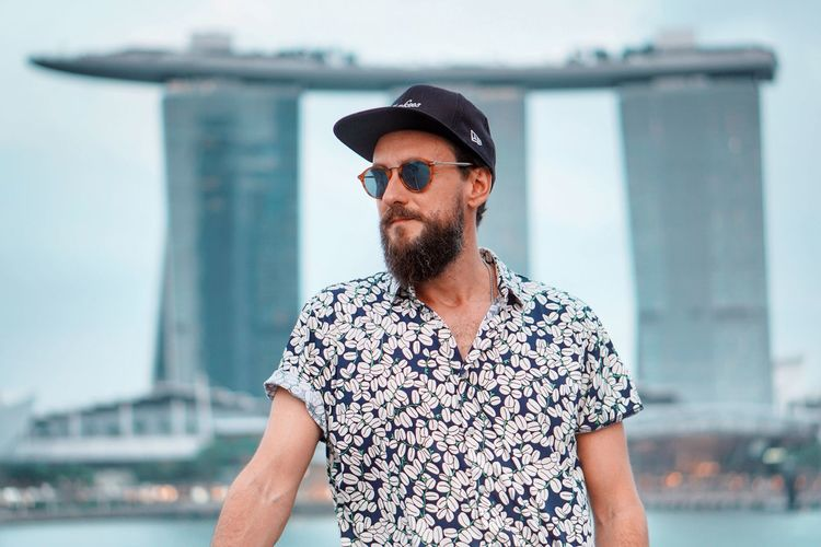 One Person Fashion Sunglasses Focus On Foreground Leisure Activity Casual Clothing Glasses Built Structure Beard Day Front View Young Adult Men Adult Architecture Lifestyles Facial Hair Portrait Real People Outdoors