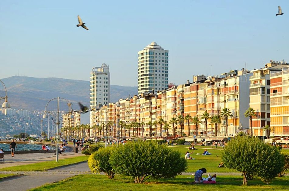 Kordon / İzmir Here Belongs To Me I Love My City Summer Views Urban Lifestyle Cityscapes Turkey Izmir Izmirkordon Izmir Kordon Alsancak Kordon Kordon Izmirlife My Best Photo 2015 Youth Of Today