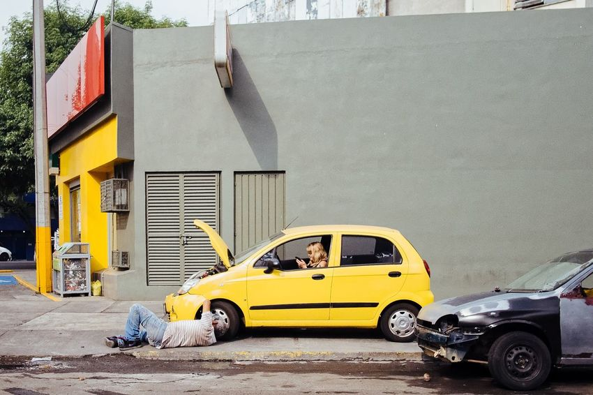 Text and repair Cdmx Street Photography Mexico City Car Real People Yellow People Urban Photography