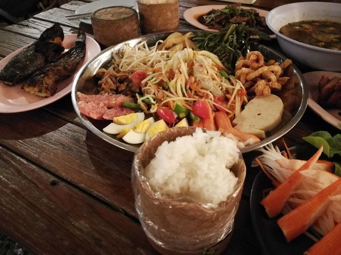 Food And Drink Food Ready-to-eat Freshness Indoors  Healthy Eating No People Bowl Serving Size Meat Plate Appetizer Close-up Day ตำถาด เบียร์ ข้าวเหนียว