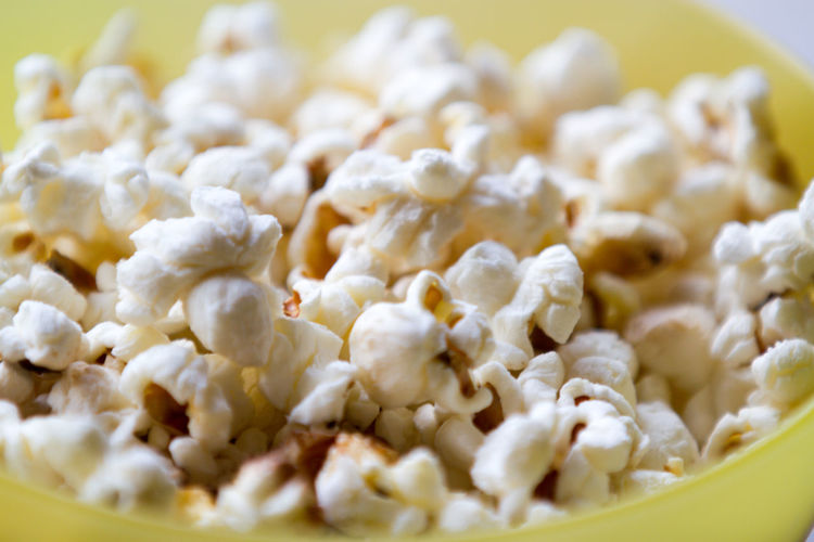 Popcorn and movies go so well together Movie Watching Movie Time Popcorn PopcornTime Close-up Food Food And Drink Freshness Healthy Eating No People Popcorn🌽👌 Ready-to-eat