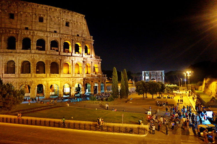 NEX-5T Rome Ancient Ancient Civilization Architecture Building Exterior Built Structure City Colosseum Crowd History Illuminated Large Group Of People Night Old Ruin Outdoors People Sony A6000 Tourism Travel Travel Destinations