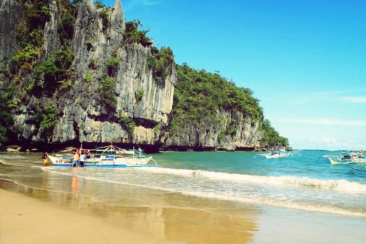 paradise in my backyard, seeinf this view makes you relax your mind body and heart. travel more and see more things like this and let yourself enjoy life Itsmorefuninthephilippines Palawan Paradise Life Is A Beach