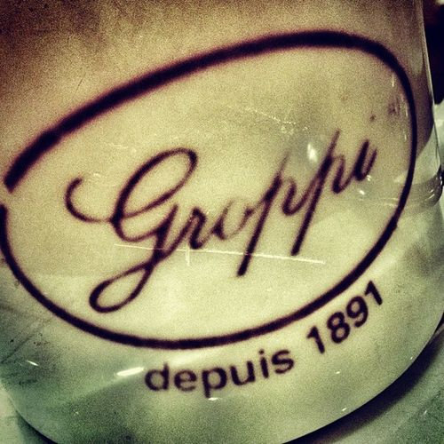 #BelovedEgypt - Once a magnet for Egypt's high society when it was considered the world's Ritziest tea room, Groppi, set in Cairo's Maghrabi (now Adli) Street, still retains its original mystique although its interior is somewhat faded. Groppi's, the crea تصويري  صور صوري تصوير  عدستي مصر عربي Keepingcairo Belovedegypt عرب_فوتو صورتي موبايلي القاهرة