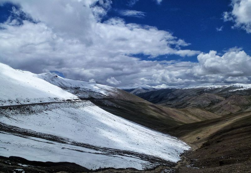 Snow Mountain Winter Cold Temperature Tranquil Scene Season  Scenics Weather Non-urban Scene Tranquility Beauty In Nature White Color Majestic Tourism Sky Nature Travel Destinations Cloud - Sky Travel Mountain Range Outdoor Photography Thrillseeker Amazing Himalayas India