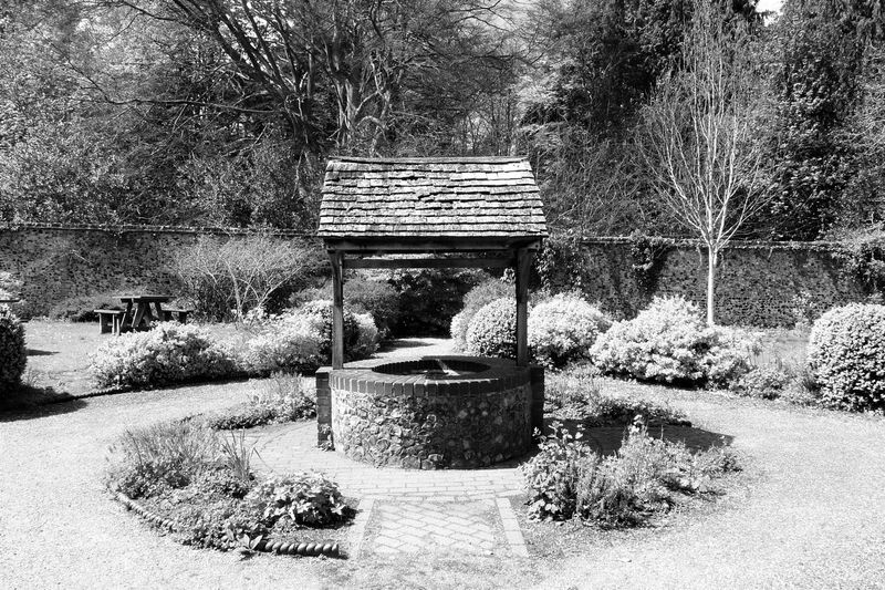 Black & White Monochrome Black And White Day No People Outdoors Tranquil Scene Tranquility Wishing Well