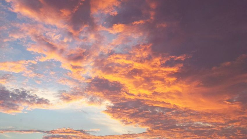 Sky And Clouds Sky Sunset Sky_collection Atmospheric Mood Dramatic Sky Thinking about sunset... Pattern Pieces Pastel Power Landscape With Whitewall Colour Of Life
