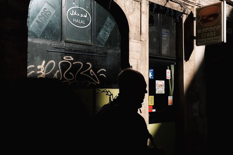Real People Street Life One Person Streetphoto Streetphotographer Colors Color Photography Streetfashion Lifestyles Silhouette People