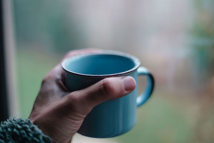 Cup Mug Human Hand Drink Coffee Coffee Cup Human Body Part Hand Refreshment Holding Coffee - Drink Food And Drink One Person Real People Hot Drink Tea Focus On Foreground Close-up Lifestyles Tea - Hot Drink Tea Cup Body Part Drinking Finger Crockery