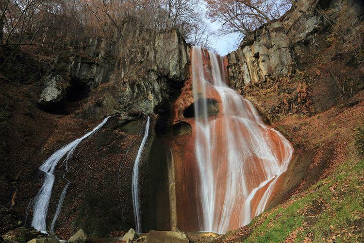 ご無沙汰してます(≧ε≦;) Beauty In Nature Cliff Enjoying Life EyeEm Best Shots EyeEm Nature Lover Japan Landscape Mountain Nature Outdoors Water Waterfall