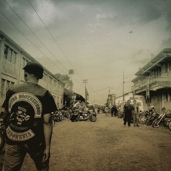 LongLive Brotherhood 27thbirthday 27thAnniversary 27thbbmc Bbmc 2662 Pridetoridetheheritages Classic is still the winner ! Classicbike Custombike INDONESIA Bandung Edit Lzybstrd Lenovotography Photophone  Photooftheday Bike Oldbike Costumbike Streetlife Streetbike Besitua Motorkustom ride ridepride undergroundparty respect proudandrespect