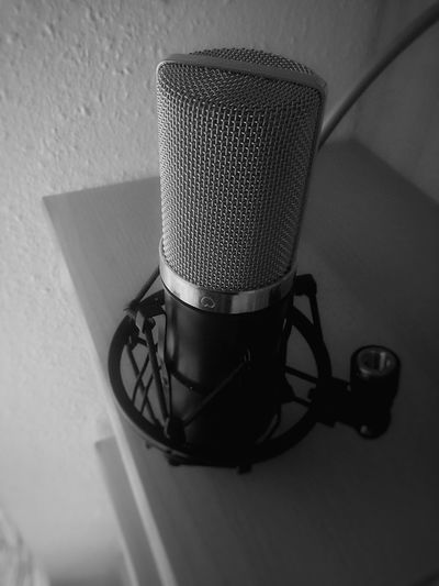 No People Close-up Technology Mobile Photography Black And White Charme Music Brings Us Together Sweet Musician Vintage Musical Instrument B&W Portrait Microphones Microphone Mic Studio Audio Equipment Audiophile Audio