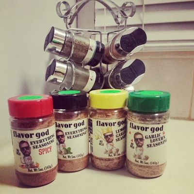 Out with the old in with the new! Welcome to australia @flavorgod time to try these puppys! Flavorgod Spices Lookhimup Yummo