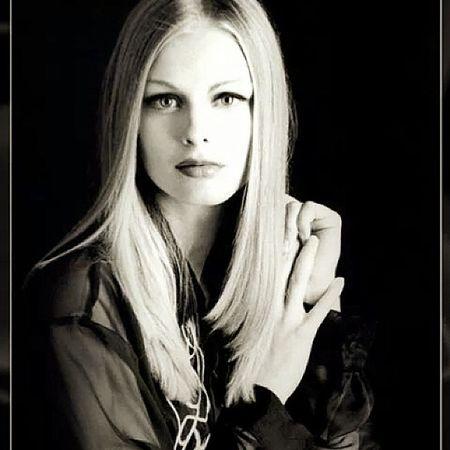 Nikon Photographer Analogphotography Studio Model Analogic Darkroom Handmade Blond Woman Portraits Fashion Halflight Beauty 105mm Nikon Fm2 Print Handprint Darkroom Flash Light Bowens Kodak