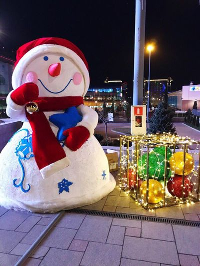 Christmas Christmas Decoration Illuminated Snowman Outdoors Multi Colored Night No People Winter Cold Temperature Eyem Select EyeEm Best Shots EyeEmNewHere EyeEmNewHere