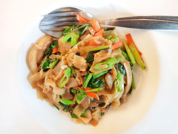Soy Beans Thai Noodle Style Broccoli Carrots Delicious Food And Drink Pad See Ew Noodles Ready-to-eat Rice Noodle Stir Fried Stir Fried Flat Noodle Vegetable White Vinegar