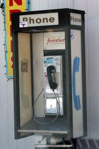 US Public Payphone USA Photos Close-up Communication Connection Day No People Old-fashioned Outdoors Pay Phone Payphone Payphone On Every Corner Payphones Of The World Public Payphone Technology Telecommunications Equipment Telephone Telephone Booth Telephone Receiver