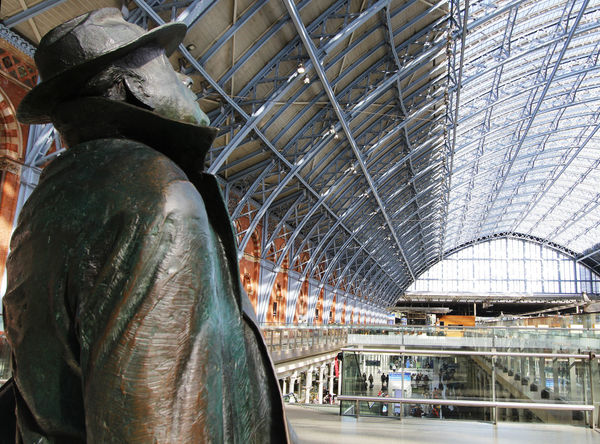 England Holiday Holidays King's Cross, St Pancras International London Statue Train Train Station Traveling Vacation