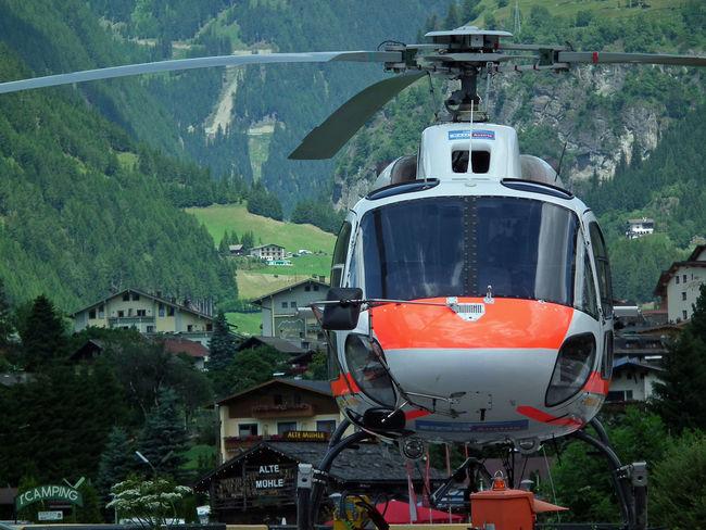 Von wegen alte Mühle Alpen Bergrettung Day Hubschrauber  No People Outdoors Rescue Tal