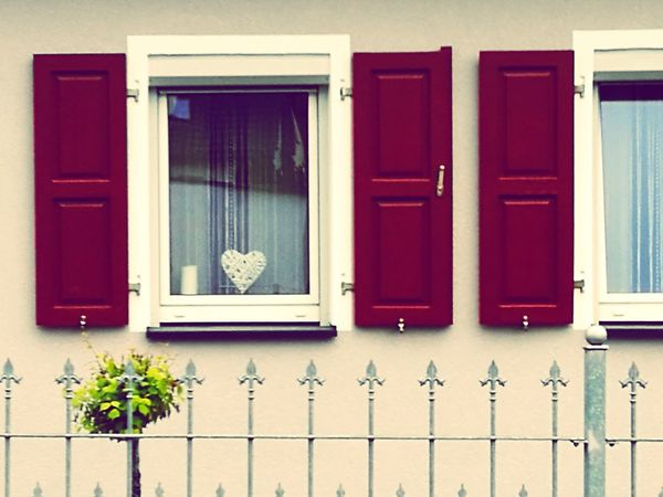 Window Day No People Building Exterior Residential Building Architecture Built Structure Outdoors Smartphonephotography