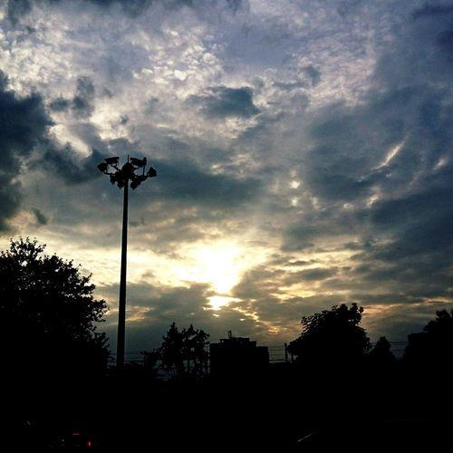 My City Mobilephotography WithoutEditing Eyemphotography EyeEm Gallery Samsungphotography Streetphotography Mumbai India Sky And Clouds Sky Clouds And Sky Clouds Blue Sky Sunset Beautiful Nature Beautiful Day Sunlight