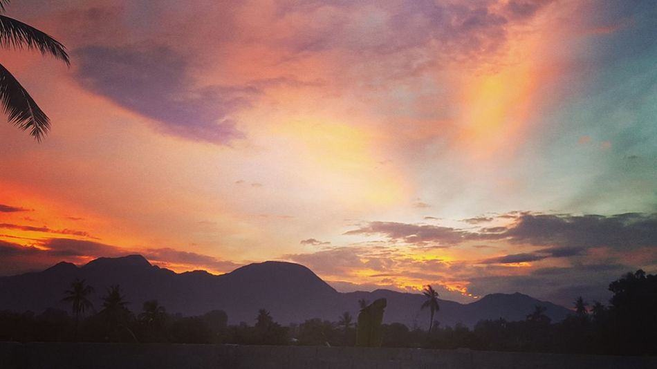 Sunset Dramatic Sky Outdoors Sunset_collection Scenics Beauty In Nature Mountain Peak Multi Colored Landscape Mountain Photography Cloud - Sky Photo♡ Place Of Heart