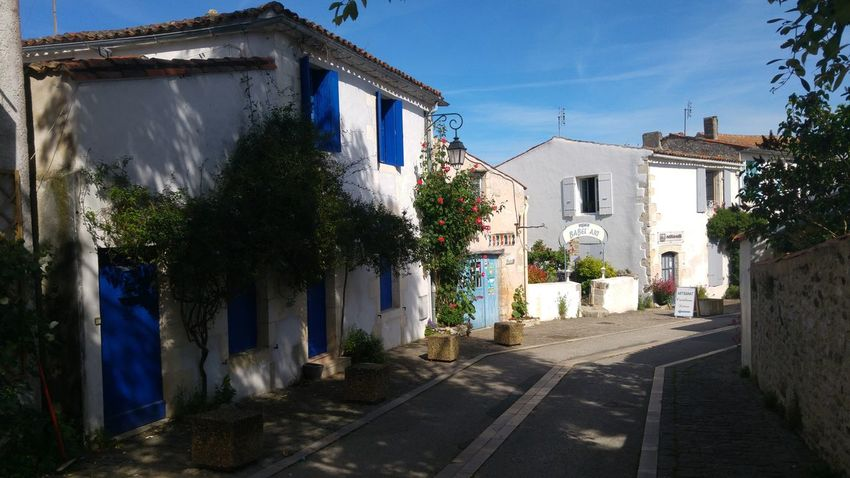 Building Exterior Architecture House Built Structure No People Day Outdoors Sky Shadow Flower Clear Sky Tree Streetphotography Village Photography Villahermosa Mornacsurseudre Charente-Maritime France Streets