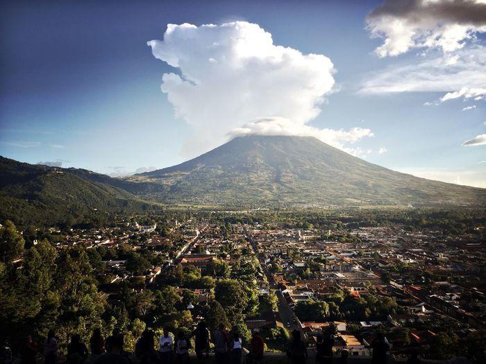 Antigua Guatemala Volcano Agua Guatemala Guatemalaimpresionante Antigua Volcanic Landscape Volcán Volcanic Landforms Roofs Of Antigua