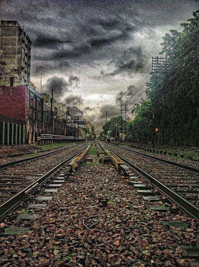 Amanecer lluvioso en las vias Train Railway HDR Hdr_Collection Hdr Edit HDR Collection Railroad Track Quiet Moments Train Tracks Argentina
