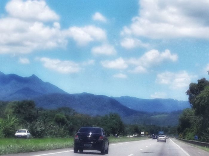Estrada da serra Serra Do Mar Mata Atlântica Nature Nature_collection Montanha Mountain Road America Do Sul América Sul Latino Summer Exploratorium Tree Mountain Road Land Vehicle Car Motorcycle Sky Cloud - Sky Mountain Road Parking EyeEmNewHere Visual Creativity