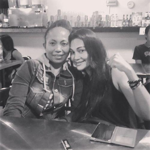 Dinner... Enjoyscorner @lynnalkhaired Melawati Dinner Bff friendship sista night rainy mukasembab sejuk