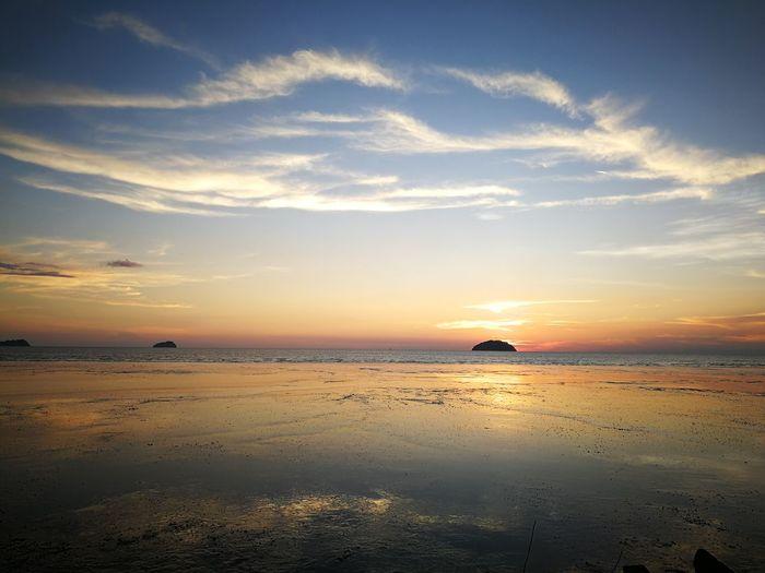 🌄🦍🏝️ Water Sea Sunset Beach Blue Low Tide Sand Sun Summer Sunlight Seascape Wave Rocky Coastline Atmospheric Mood Romantic Sky