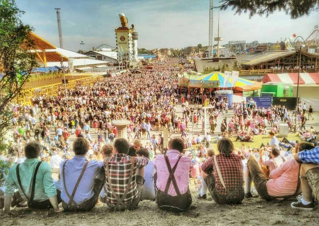 Wiesn today crowded Oktoberfest Wiesn Fairground München Theresienwiese