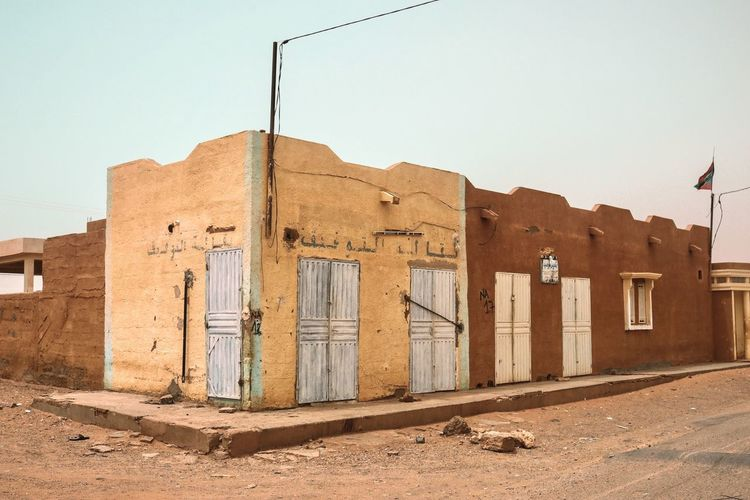 Architecture Streetphotography Street Desert Door Travel Photography Sahara Arab Mauritania EyeEm Selects Architecture Built Structure Building Exterior Sky Clear Sky History The Past Nature Day Old Building Sunlight No People Ancient Land Old Ruin Outdoors Abandoned Wall Travel Destinations My Best Travel Photo