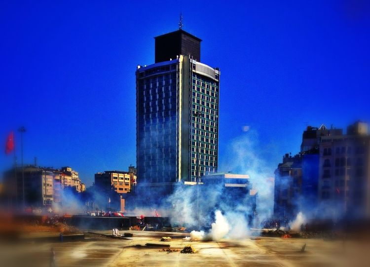 Istanbul Direngezi Pantone Colors By GIZMON Occupy Taksim! The Photojournalist – 2016 EyeEm Awards