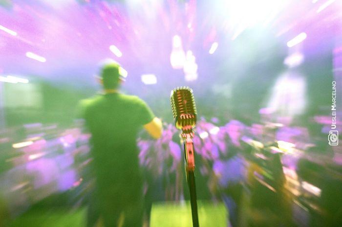 Zooming Click Show Banda Concert Cartaeseuscuringas Vocal Micro