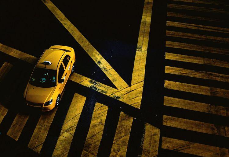 KL Taxi. Photo by Samsul Said Street View Streetphotography Kuala Lumpur