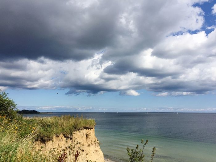 Sea Horizon Over Water Sky Cloud - Sky Water Scenics Nature Tranquil Scene Beach Tranquility Beauty In Nature Outdoors No People Day