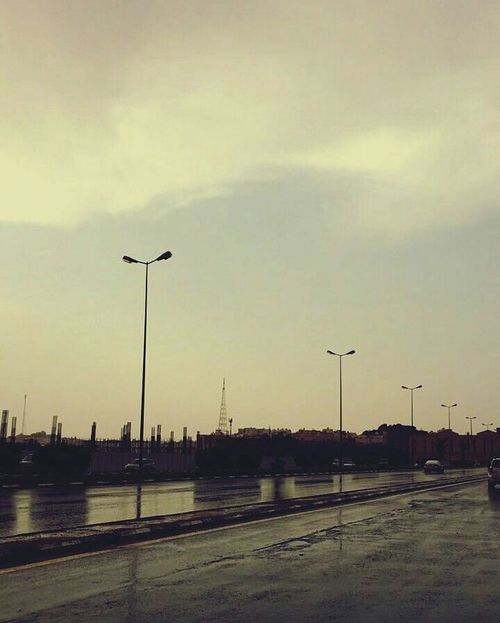 Rainy Days Sky Street GökhaN Night Out Relaxing Day Streetphoto Way Out